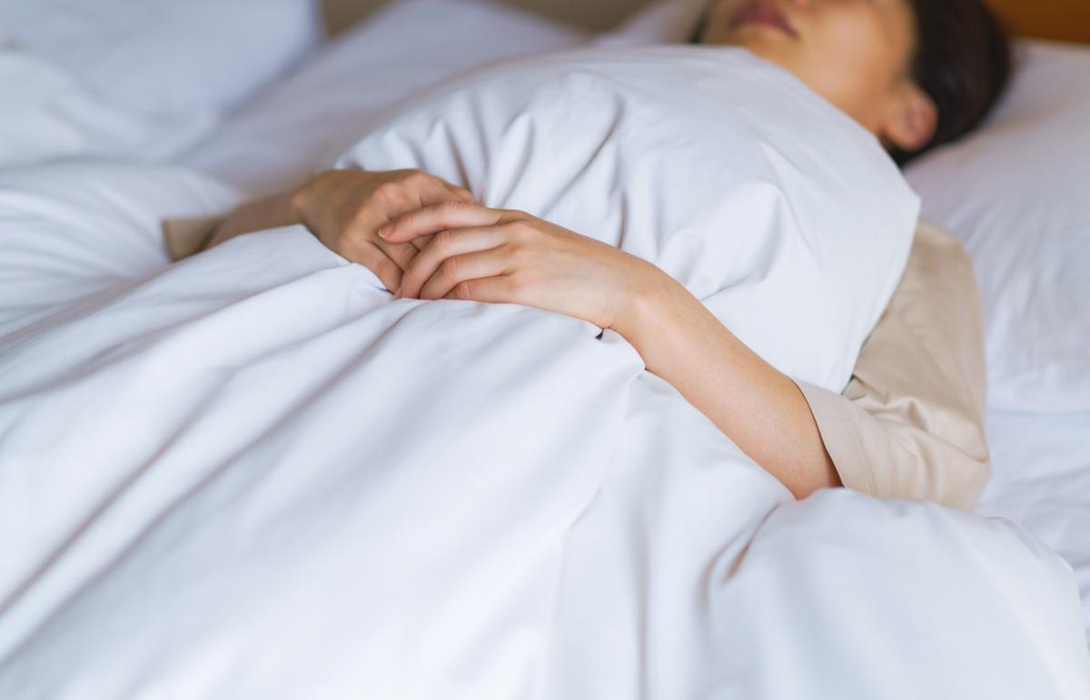 寝たきりの女性の写真